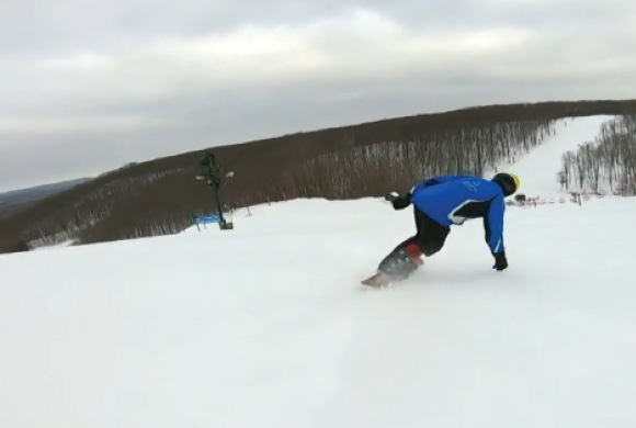 Amputee Snowboarder Conquering the Slopes